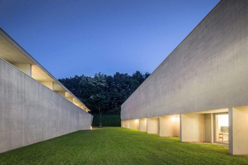 Guest-House-by-Alvaro-Siza-Carlos-Castanheira-Kim-Jong-Kyu-03