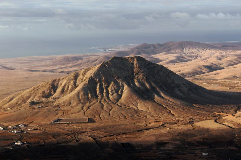Montaña Tindaya en las Islas Canarias, España.
